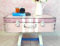 maleta vintage hecha con carton
